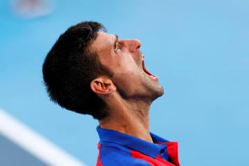 Djokovic overcomes flat start to reach U.S. Open quarter-finals