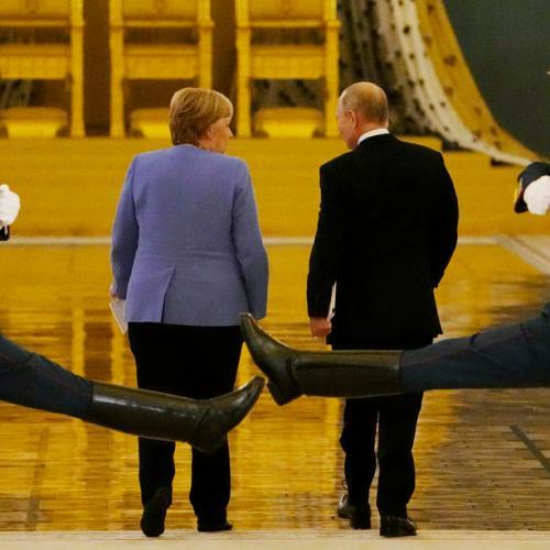 Merkel, Putin clash over Navalny on her last trip to Russia