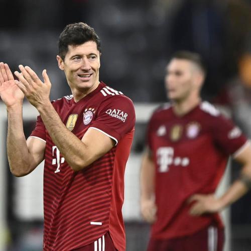Lewandowskigets Golden Shoe award as European top scorer
