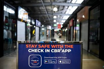 Sydney pubs to open in mid-Oct as end of COVID lockdown looms – with cases set to rise
