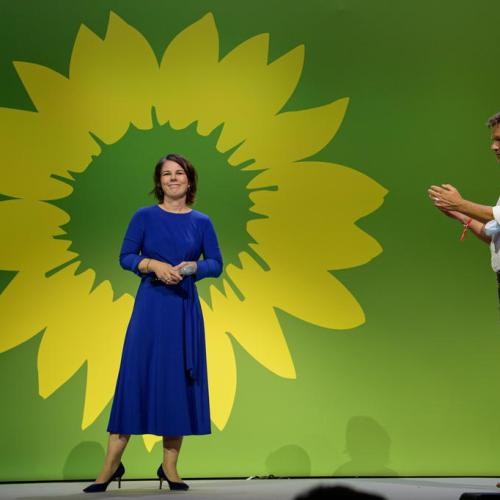 German Greens, FDP cosy up to build coalition