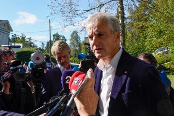 Norway's Labour, Centre agree to form minority government