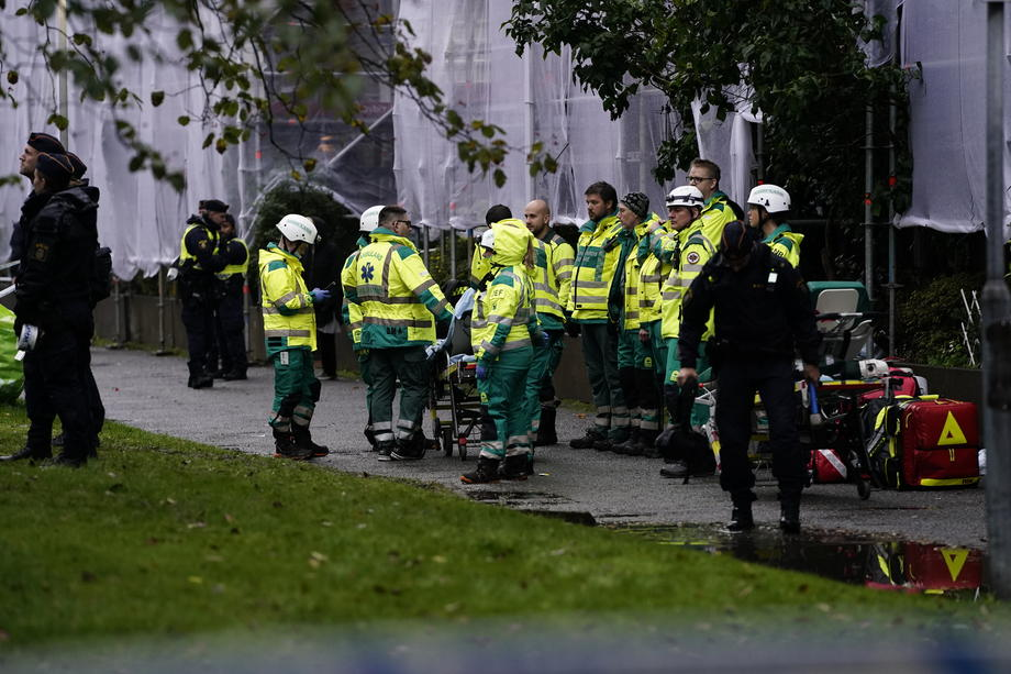 Blastrocksresidential area in Sweden's Gothenburg, four badly hurt