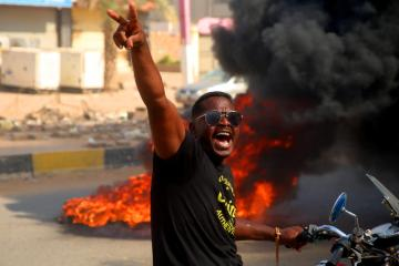 UPDATED: Sudan military seizes power, dissolves transitional government