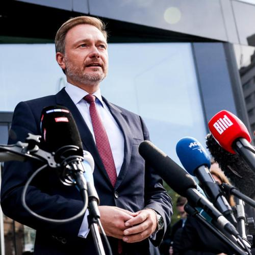 German liberals press conservatives to say if they want to govern