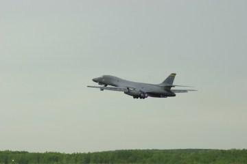 Russia scrambles fighter jet to escort U.S. military plane