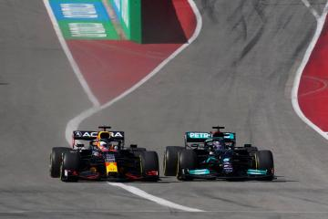 Verstappen holds off Hamilton to double his F1 lead