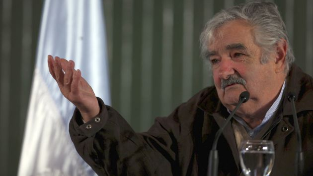 """Mujica cree que la legalización de la marihuana ayudará a """"arrebatar"""" el mercado al narcotráfico. (AP)"""