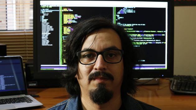 SENTIDO COMÚN. Su primer libro fue uno de Basic (programación), a los 8 años. Hoy tiene 33. (César Fajardo)