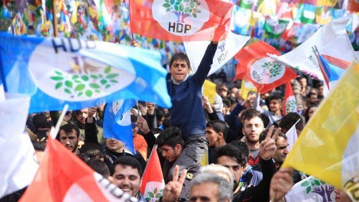 Dix-sept nouvelles arrestations, dont celle du co-maire de Kars et d'anciens députés et membres du Conseil exécutif central du HDP