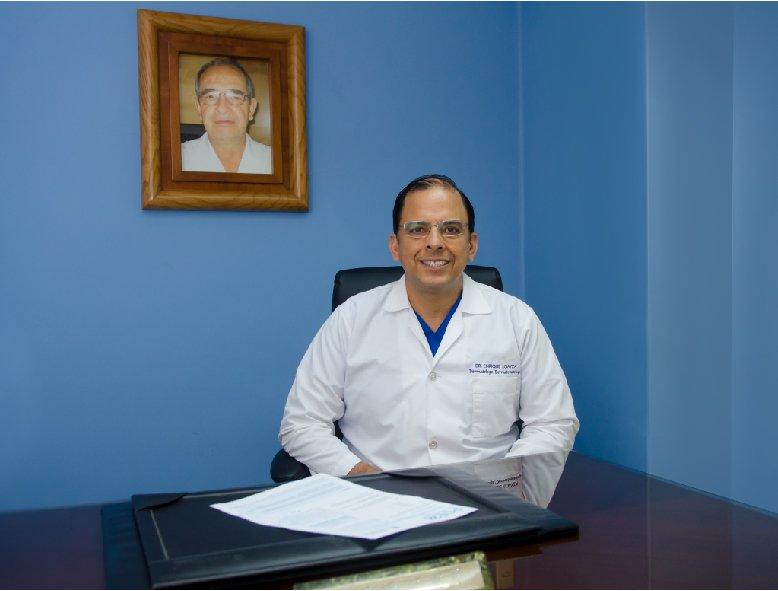 Dr. Enrique Loayza
