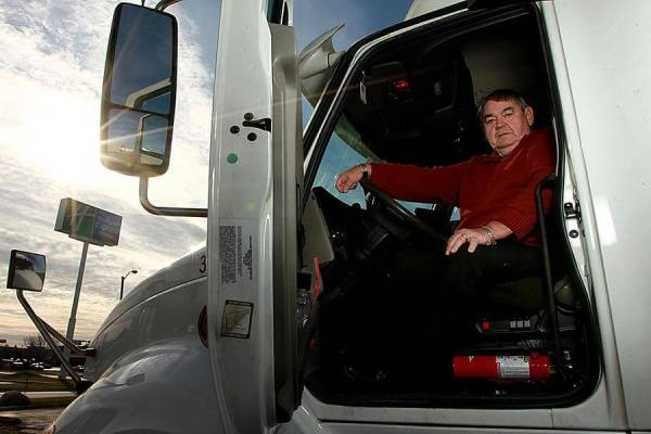 Truck Driver Earns 3 Million Safe Miles