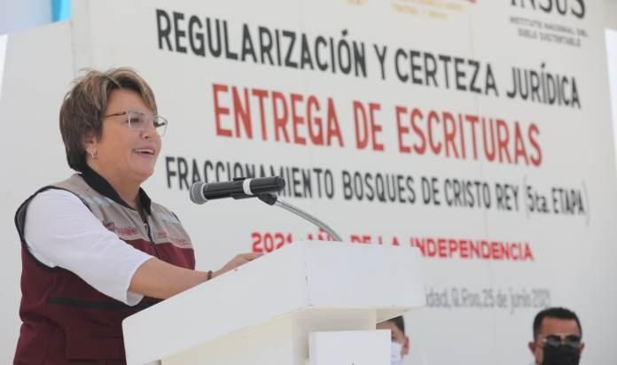 Laura Beristain cumple a vecinos de Cristo Rey con títulos de propiedad -  Cdmx Press Noticias