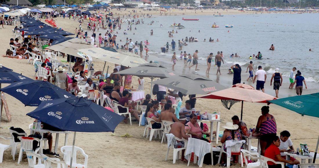 El gobernador de Guerrero Hector Astudillo Flores Guerrero anuncia el cierre de playas y bares por el COVID 19