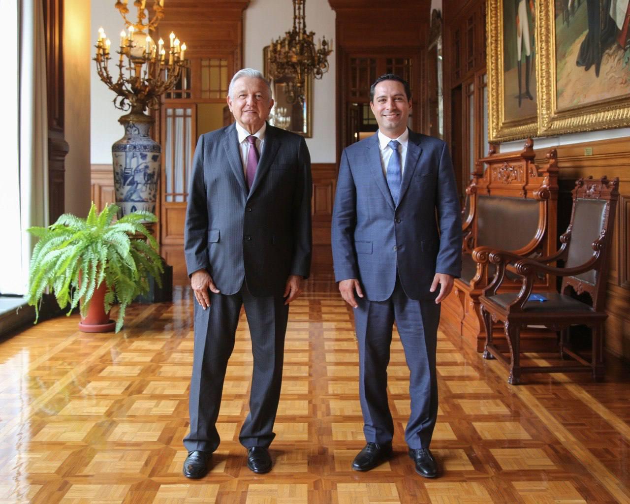 En reunion con el presidente AMLO el gobernador de Yucatan Mauricio Vila Dosal ratifica el regreso a clases presenciales