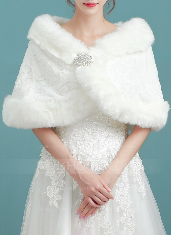 2172346de 20+ Bridal Wraps For Outdoor Weddings Pictures and Ideas on Weric