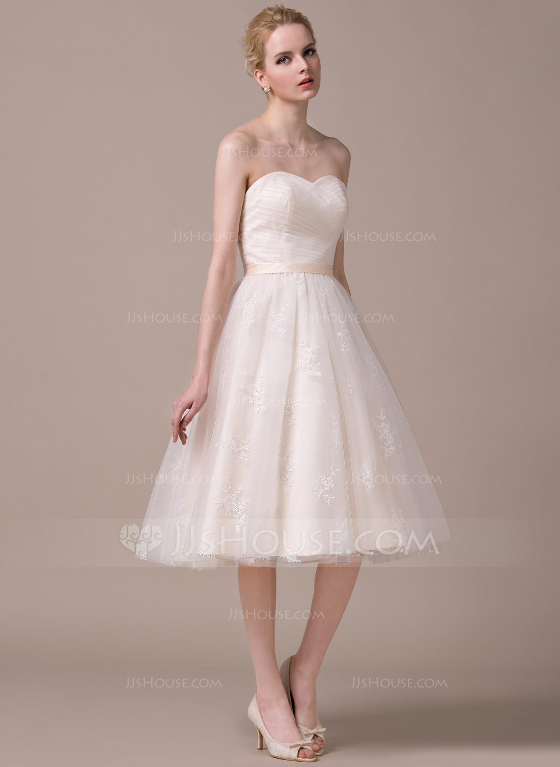 A LinePrincess Sweetheart Knee Length Tulle Lace Wedding