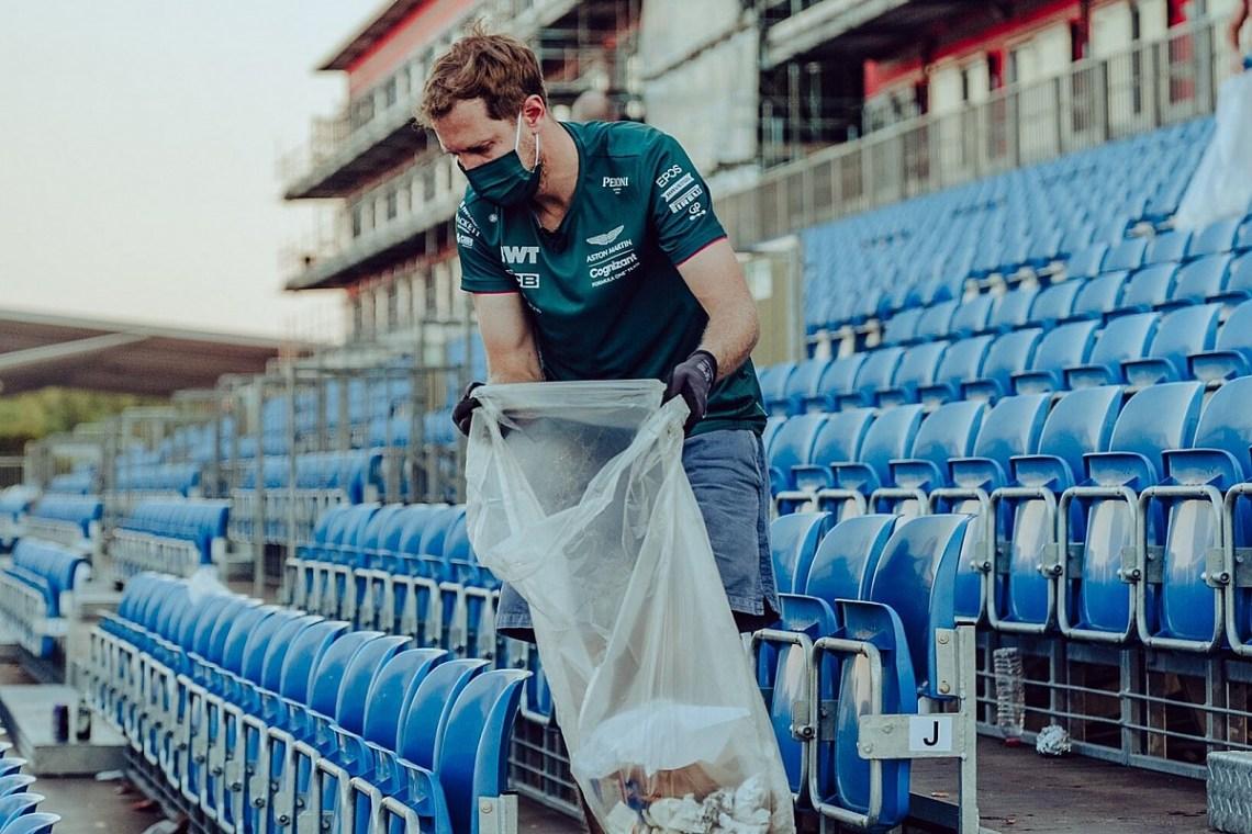 Vettel se quedó a recoger basura de las gradas de Silverstone