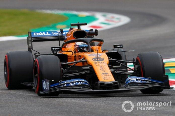"""Para Sainz: """"Necesitas defender la posición, faltan cuatro o cinco segundos para la bandera; la mayoría de los autos no llegarán"""""""