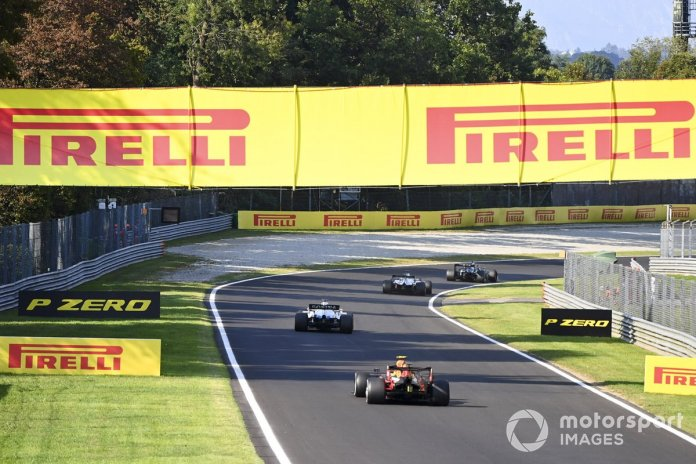 George Russell, Williams FW43, Alex Albon, Red Bull Racing RB16