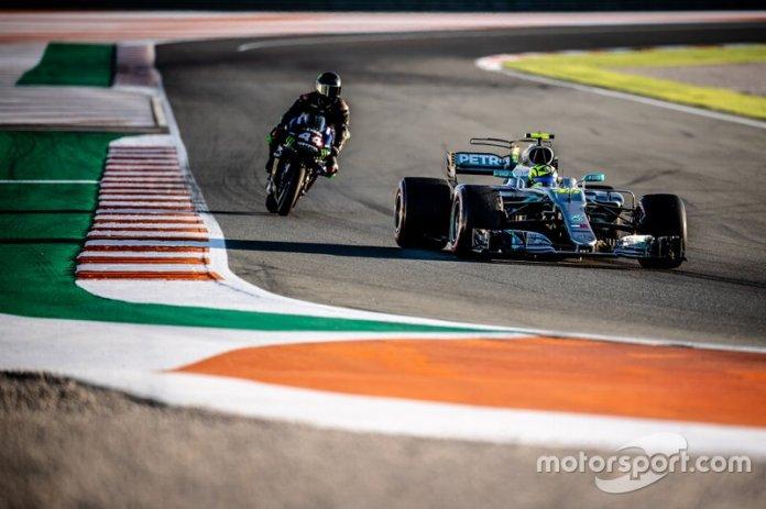 Lewis Hamilton, Yamaha MotoGP YZR-M1, Valentino Rossi, Mercedes-AMG F1 W08