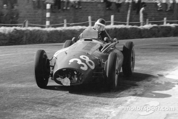 1954: Ferrari 553 Squalo