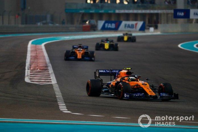 Lando Norris, McLaren MCL34, Carlos Sainz Jr., McLaren MCL34, Daniel Ricciardo, Renault F1 Team R.S.19, Nico Hulkenberg, Renault F1 Team R.S. 19