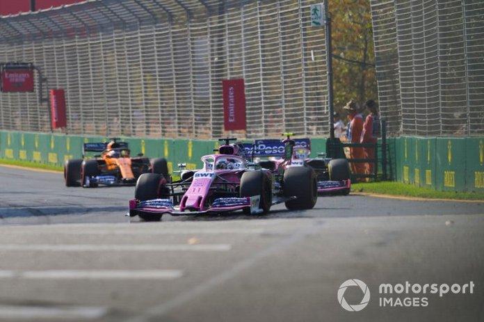 Sergio Perez, Racing Point RP19, Lance Stroll, Racing Point RP19, y Carlos Sainz Jr., McLaren MCL34