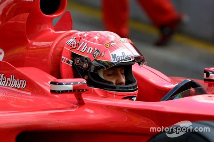 """2001: Schumacher se une al rojo """"campeón"""" para siempre"""