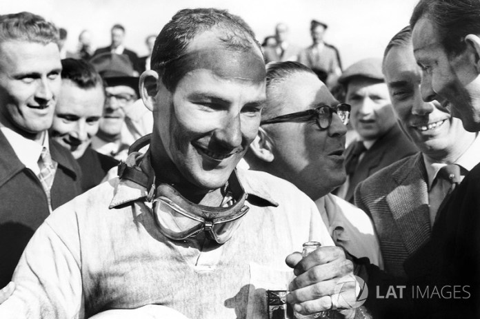1. Stirling Moss - 16 victorias