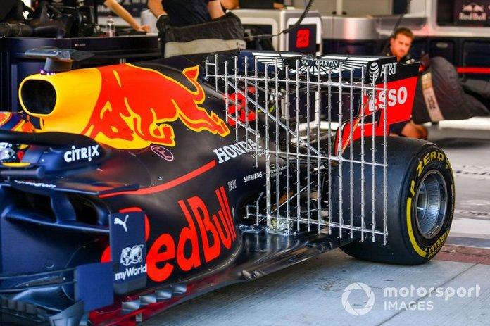 El coche de Alexander Albon, Red Bull RB15 con sensores