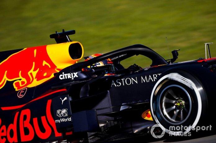 13º Alex Albon, Red Bull Racing: 1:17.912 (con neumáticos C2)