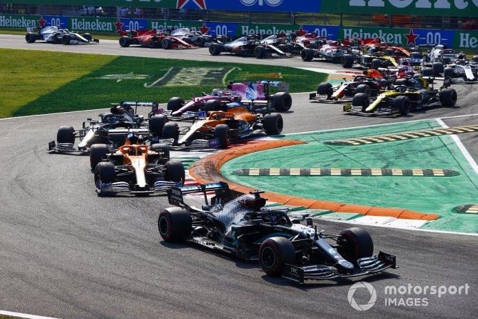 Lewis Hamilton, Mercedes F1 W11 Carlos Sainz Jr., McLaren MCL35 Valtteri Bottas, Mercedes F1 W11, Lando Norris, McLaren MCL35