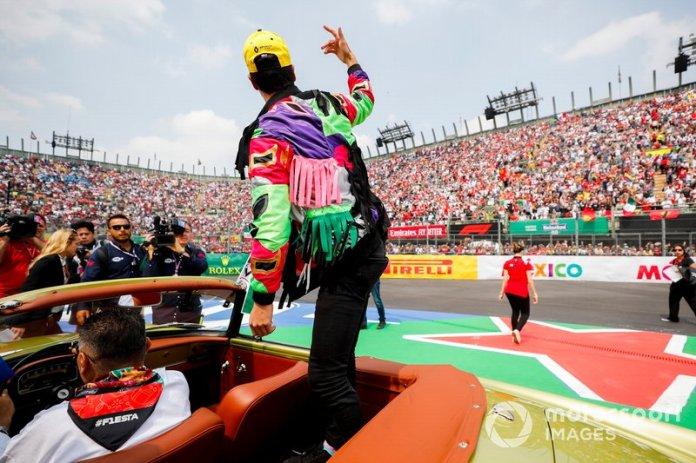 Daniel Ricciardo, Renault F1 Team, en el desfile de pilotos