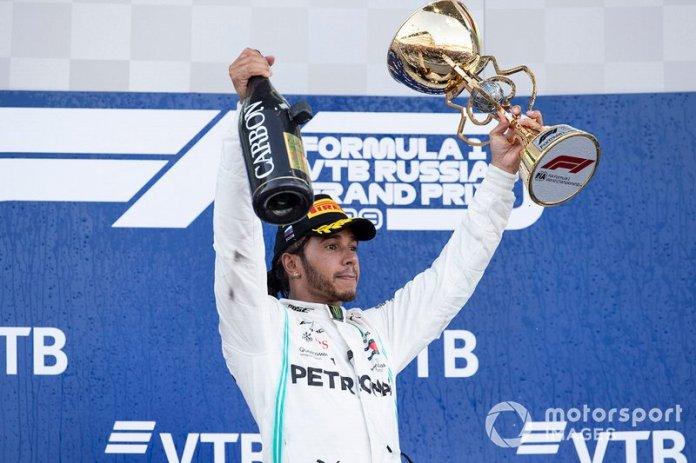 1: Lewis Hamilton, 143