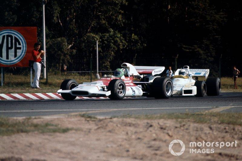Reine Wisell, BRM P153 ahead of Carlos Reutemann, Brabham BT34 Ford, 1972 Argentinian GP