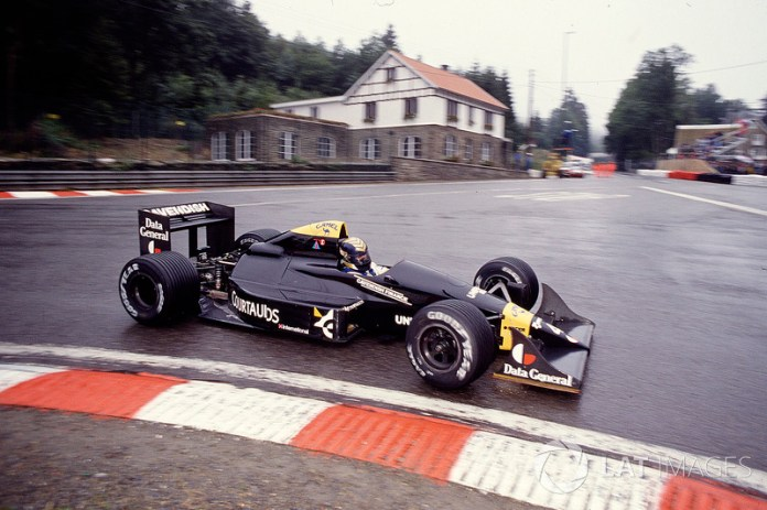 Tyrrell 017 (1988)