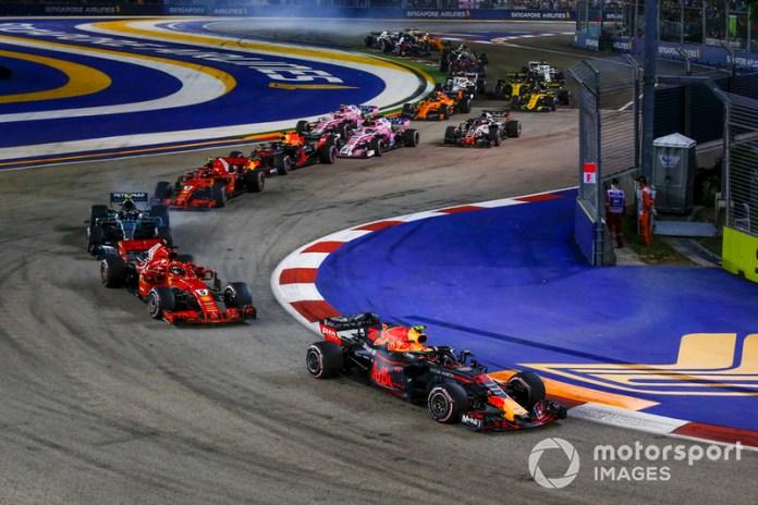 El trazado del Marina Bay es el más revirado del actual calendario de F1, con un total de 23 curvas, 14 a izquierdas y nueve a derechas.
