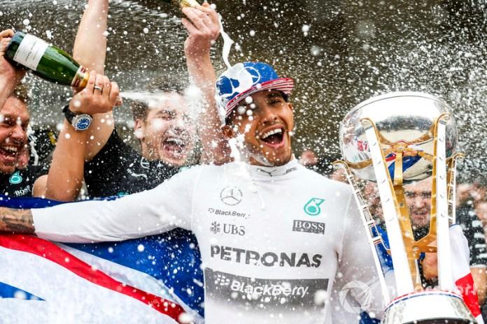 Lewis Hamilton con Mercedes AMG