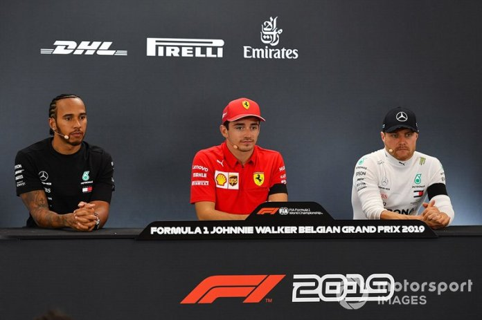 Rueda de prensa: ganador de la carrera Charles Leclerc, Ferrari, segundo lugar Lewis Hamilton, Mercedes AMG F1, tercer lugar Valtteri Bottas, Mercedes AMG F1