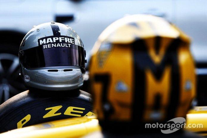 Casco de Daniel Ricciardo, Renault F1 Team, para el GP de China