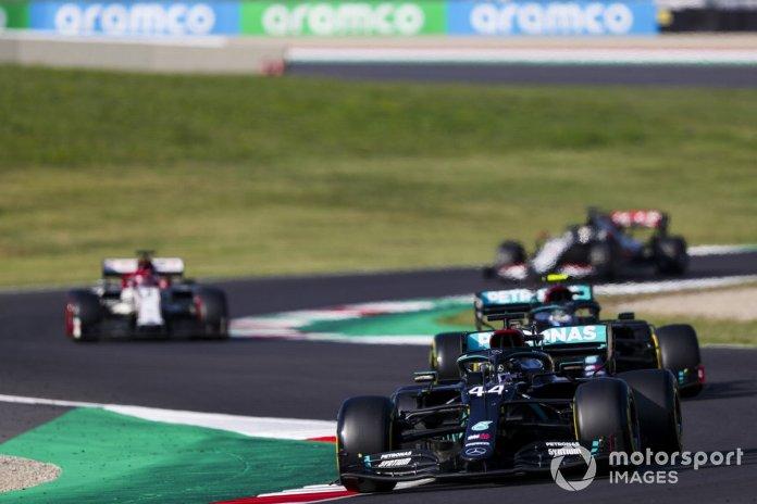 Lewis Hamilton, Mercedes F1 W11, Valtteri Bottas, Mercedes F1 W11, Kimi Raikkonen, Alfa Romeo Racing C39