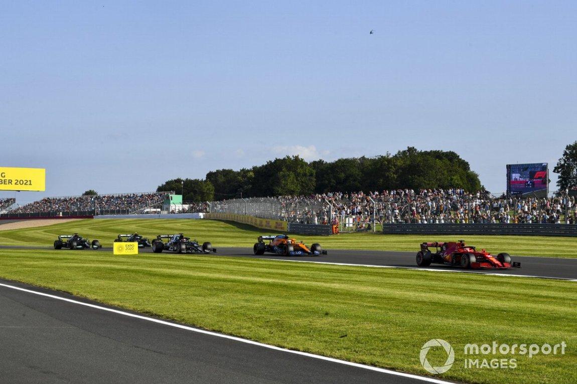Charles Leclerc, Ferrari SF21, Daniel Ricciardo, McLaren MCL35M, Yuki Tsunoda, AlphaTauri AT02, Valtteri Bottas, Mercedes W12, and Lewis Hamilton, Mercedes W12