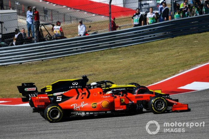 Sebastian Vettel, Ferrari SF90, lotta con Daniel Ricciardo, Renault F1 Team R.S.19