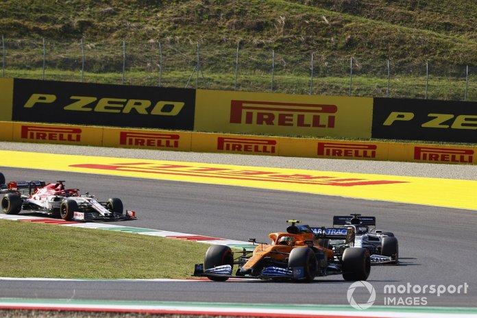 Lando Norris, McLaren MCL35, Daniil Kvyat, AlphaTauri AT01, Kimi Raikkonen, Alfa Romeo Racing C39