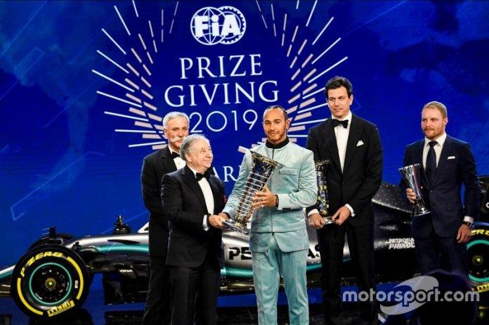 Lewis Hamilton y Jean Todt, presidente de la FIA