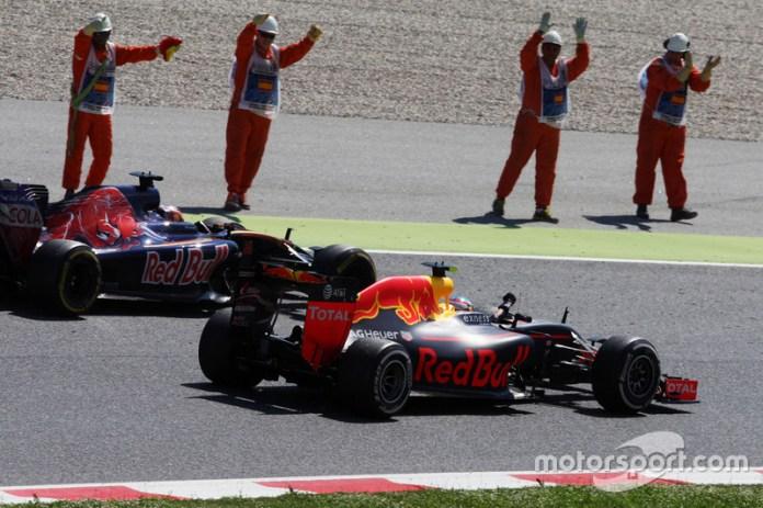 El GP de España 2016 fue especial para las dos escuderías de Red Bull. Para esa carrera (y en adelante), subieron a Max Verstappen al primer equipo y bajaron a Kvyat al 'B'. Verstappen respondió ganando a la primera, logrando el récord de precocidad de un vencedor en F1. Y, en una dulce curiosidad, Kvyat dio en ese gran premio a Toro Rosso la única vuelta rápida del equipo en la máxima categoría.