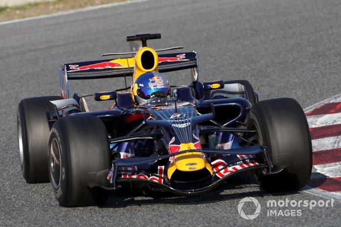 Toro Rosso STR3 y Red Bull RB4
