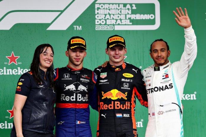 Podio: Max Verstappen, Red Bull Racing, segundo lugar Pierre Gasly, Toro Rosso, tercer lugar Lewis Hamilton, Mercedes AMG F1, Hannah Schmitz, ingeniero de estrategia de Red Bull Racing.