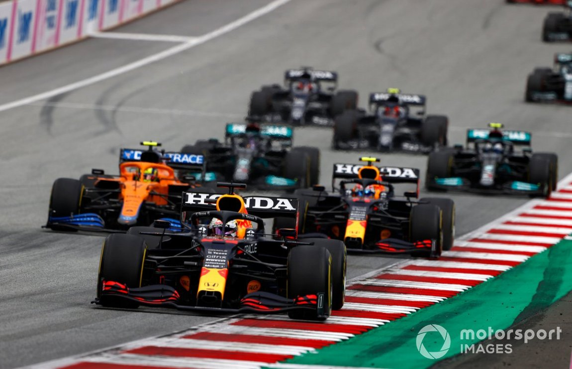 Max Verstappen, Red Bull Racing RB16B, Lando Norris, McLaren MCL35M, Sergio Perez, Red Bull Racing RB16B, Lewis Hamilton, Mercedes W12 and Valtteri Bottas, Mercedes W12